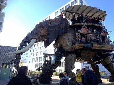 ナントの機械仕掛けの遊園地「レ・マシーン・ド・リル」の歩く象
