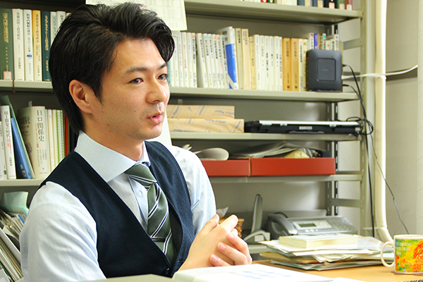 人文社会・教育科学系(法学部)稲吉 晃 准教授