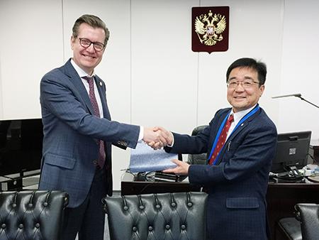 レヴェン セルゲイ副大臣と高橋学長