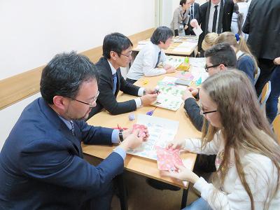 日本文化体験コーナー(折り紙)