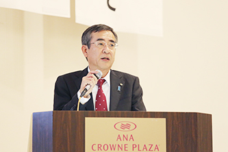 基調講演を行う佐久間新潟県副知事